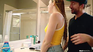 Hot babe with awesome bubble ass Melody Parker is fucked well on the sink