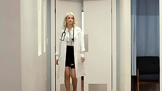 Skinny babe seduces a beautiful doctor for a lesbian romance