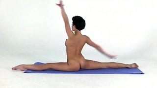 Yulia - naked erotic