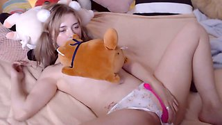 I give my daughter a pussy sex toy