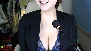 Korean sensual camgirl with big tits