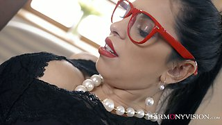 Alluring whore Kira Queen is serving one kinky dude like nobody else before