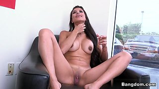 Soffie in Colombian Milf first porn scene Video