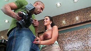 Ariella Ferrera & Karlo Karrera in Naughty America