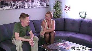 Stief Sohn mit dem Monster Schwanz fickt seine Mutter Jenny