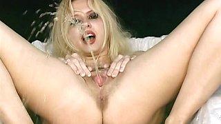 Pissing Girls Sex Video