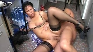 HOT MAMMA n108 brunette hair german aged in the kitchen