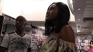 Ebony Yara Skye's First Experience At Gloryhole