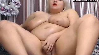 Amateur bbw is squirting on camshow