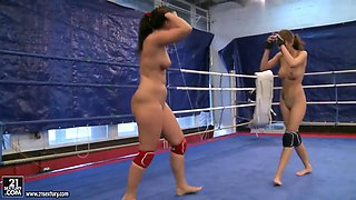 Passionate babes Abelia and Catherina in nude fight