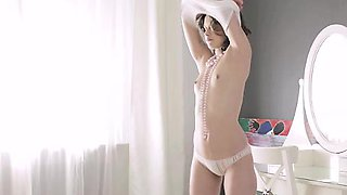18 Virgin Sex - Nina rubs her clit