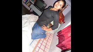 Hot desi girl akansha garg from lucknow