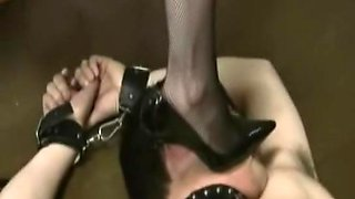 Sissy serf and his Jap domina in foot fetish action