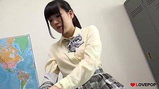 Sexy Japanese schoolgirl knee socks