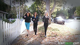 Cougar Farrah Dahl and her sport girlfriends fuck one handsome fitness instructor