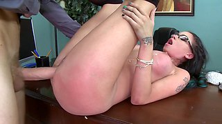 Slutty secretary is getting penetrated really well by her boss