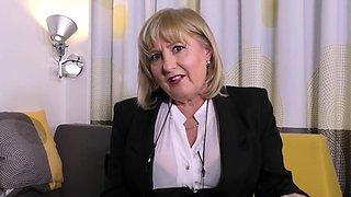 British curvy housewife Lorna Blu showing off her big tits